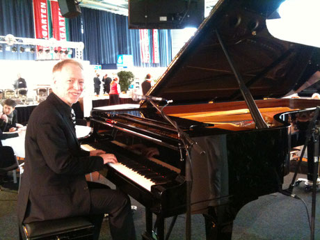 Pianist Eric Richards