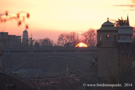 Sonnenuntergang über der Mattenquartier in Bern