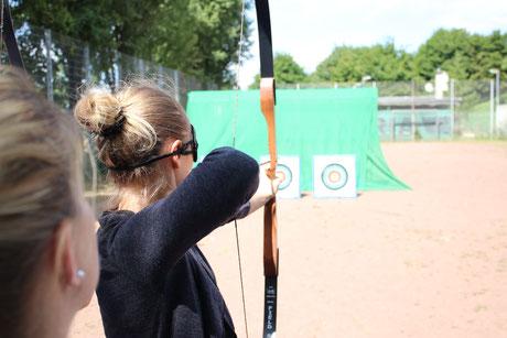 Bogenschießen Blind als kommunikatives Teambuilding mit bo events