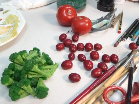 ficiticios brocoli y tomates