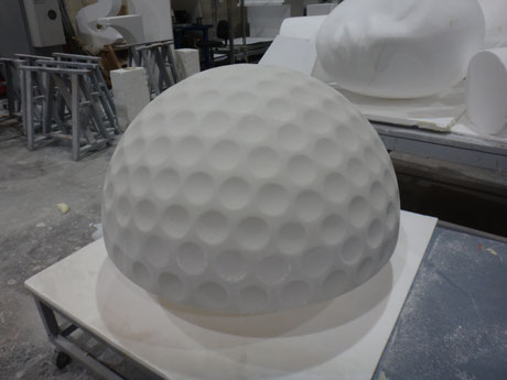 Semiesfera golf gigante