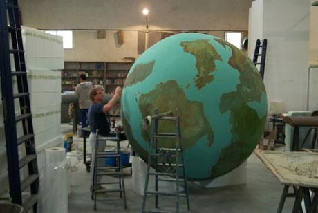 Planeta imaginario, 250 cm de diametro