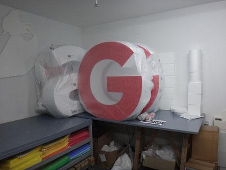G corporea gigante lista para entrega