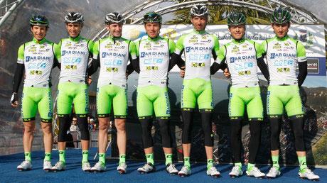 La Bardiani CSF al foglio di partenza del Trofeo Laigueglia 2014. Foto courtesy: Bardiani CSF