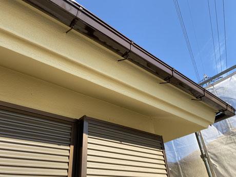 所沢外壁塗装 狭山外壁塗装 塗り替え 屋根塗装 養生 掃除 監督 管理 足場 高圧洗浄 三回塗り 手抜きなど一切ありません。 タスペーサー トップコート 下塗り 中塗り 上塗り ケレン 吹き付け 作業