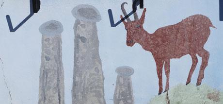 Un chamois et des cheminées de fées...