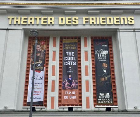 Die Band Lou's THE COOL CATS spielen ihr drittes Konzert im Theater des Friedens in Rostock