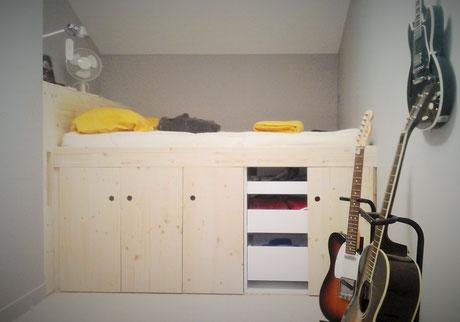 lit en hauteur avec rangement les pipelettes atelier. Black Bedroom Furniture Sets. Home Design Ideas