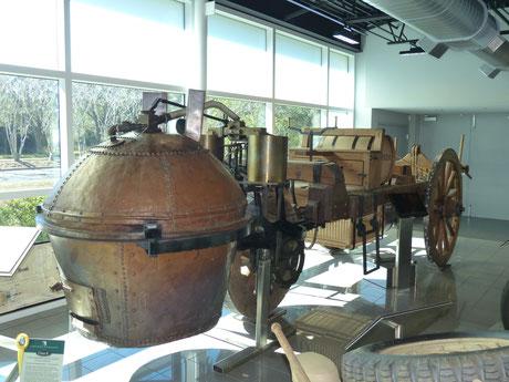 Cugnot 1770 (fahrfähige -und straßenzugelassene- Replica, Besitzer: Tampa Bay Museum)