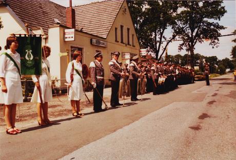 Der Spielmannszug beim Schützenfest 1976 (Foto: Verein)