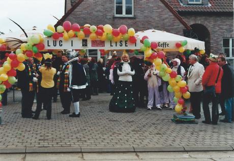 Prinzesin Silvia I. Labroier bereitet sich auf den Umzug bei unseren belgischen freunden vor. Hier wird Karneval etwas anders gefeiert…