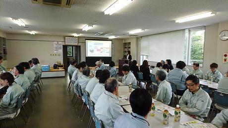 企業の従業員に「スマート和食」のセミナーを開催。しっかり食べて太りにくい「くらし方」「食べ方」をレクチャー。