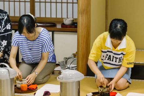 13日午後:和室で茶道実践