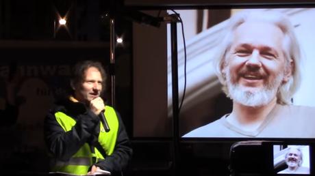 Sondermahnwache für den Frieden - Freiheit für Julian Assange!