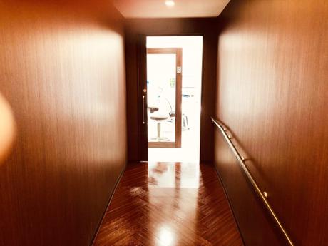 診療室への通路②