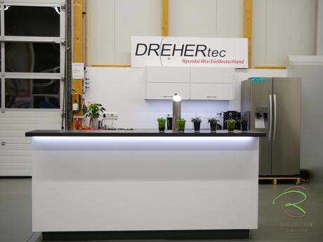 Küchentresen als optische Trennung von Koch- & Wohnbereich