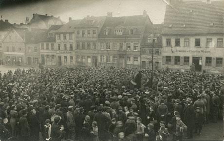 Fritz Soldmann hält die Revolutionsansprache am 9.November 1918