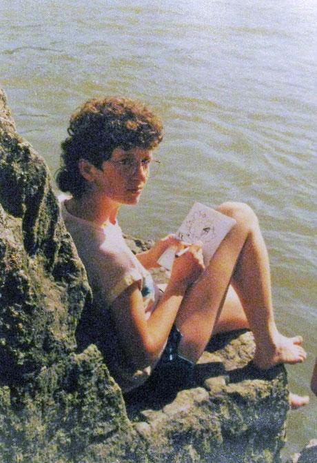 Das Bild ist aus den 80ziger Jahren und mich sieht man skizzieren.