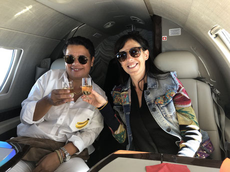 Mihaela and me drinking champagne at 10.060m in a private jet on the way to Provence, South of France