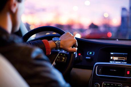 Panikattacken beim Autofahren.