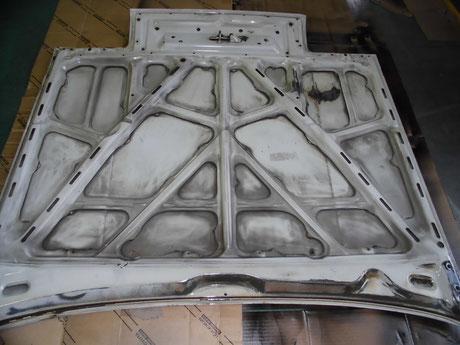 AE86 トレノ ボンネット裏側の錆