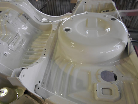 AE86 レビン スペアタイヤハウス塗装