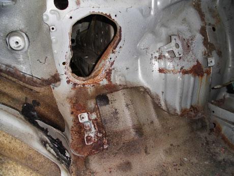 AE86 トレノ 運転席足元の錆