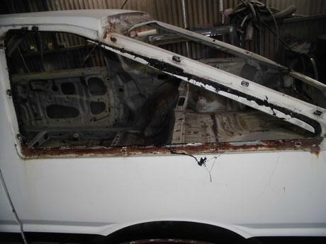 AE86 クォーターガラス裏側の錆