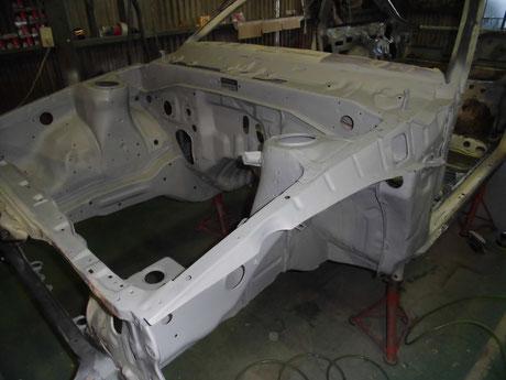 AE86 トレノ レストア エンジンルーム プラサフ塗装