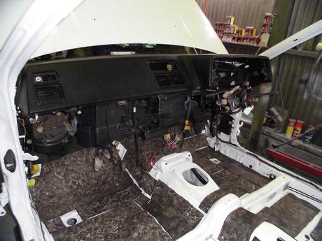 AE86 ダッシュボード取り付け