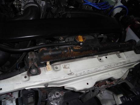 AE86 ラジエター