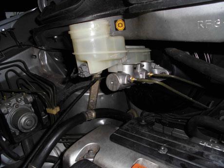 RF3 ステップワゴン ブレーキブースター取付