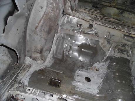 AE86トレノ フロア錆修理 レストア