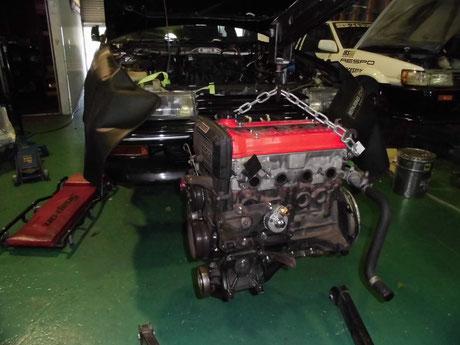 AE92エンジン取り付け