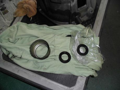 AE86 トレノ ミッションアウトプットシール交換