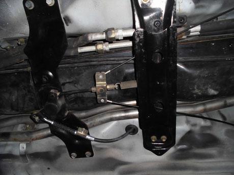 AW11 MR2 サイドブレーキケーブル交換