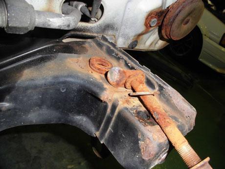 AE86トレノ フロントバンパーブラケットのボルト