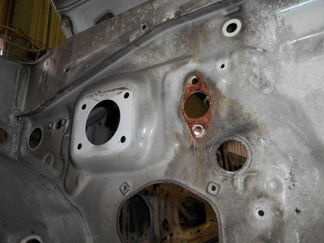 AE86 クラッチマスターシリンダー 裏側の錆 レストア