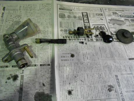 AE86 クラッチマスターシリンダー オーバーホール