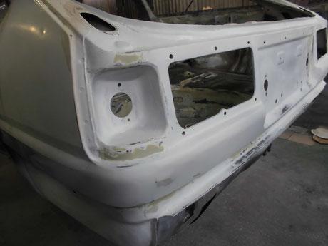 AE86トレノ フルレストア バックパネル修理