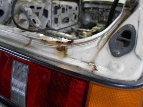AE86 トランク錆修理 レストア
