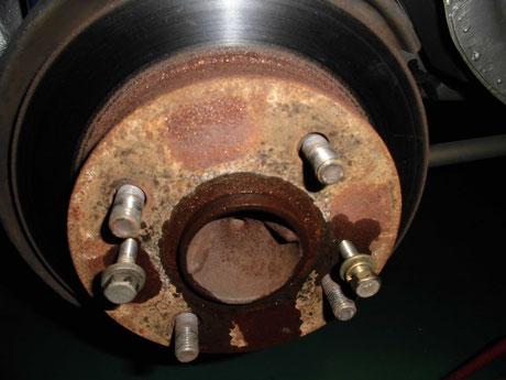 AE86レビン リヤブレーキローター固着
