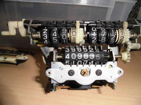 AA63 セリカ スピードメーター分解