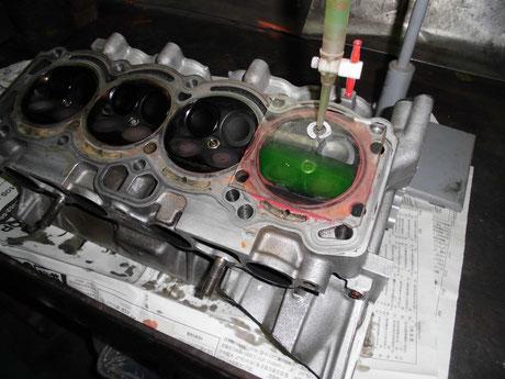 AE86 4AG 燃焼室容積測定