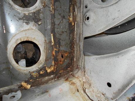 レストア AE86 フロアパネル 錆穴