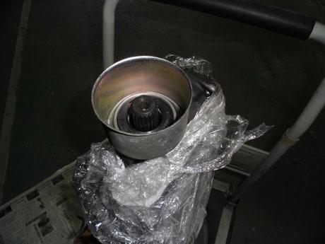 AE86 トレノ ミッションアウトプットシール取付け