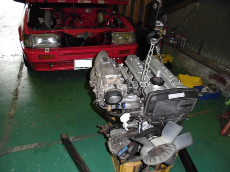 AE86レビン エンジン補機類組付け