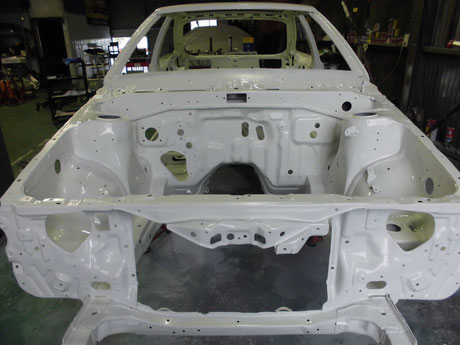 AE86トレノ エンジンルームクリヤ塗装