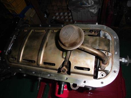 AE86レビン バッフルプレート ストレナー組付け