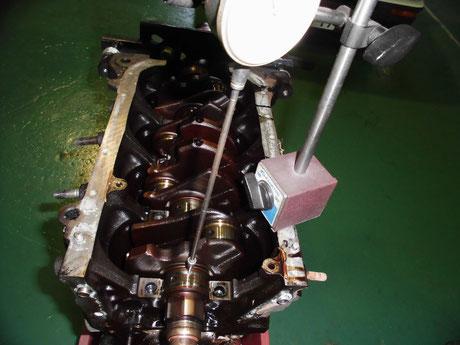 AE86 4AG クランクシャフト曲がり測定